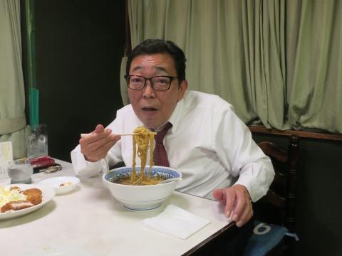 「むつみ食堂:最後のラーメン・かつラーメン・餃子」⑥