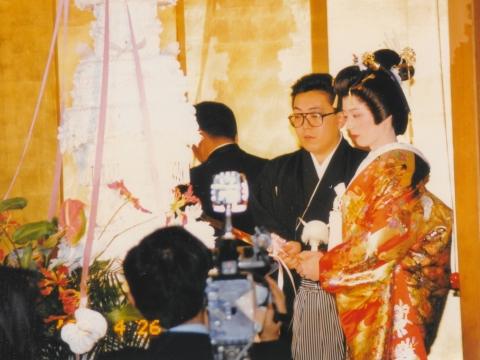 「結婚記念日&議員初当選記念日のお祝い」  (1)