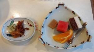 18:56 漬け物とデザート