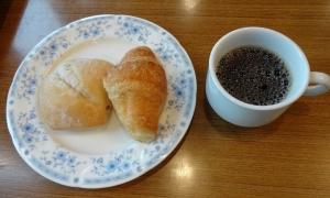 7:16 パンとコーヒーも(*^_^*)