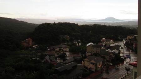 7:24 向こうに桜島が見えます
