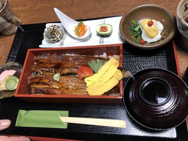 下津井産の穴子の贅沢重の穴子は大きくて、ふっくら~!