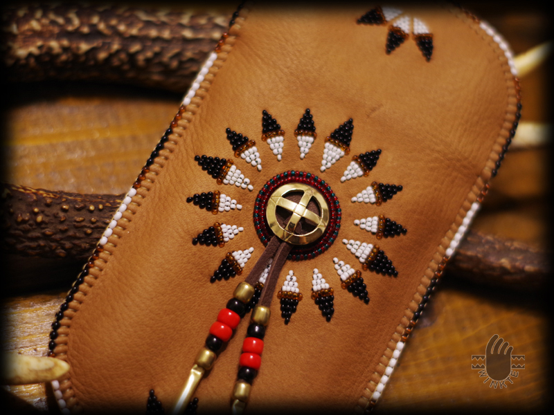 Beaded Feather Bonnet Smartphone Pouch 4 logo ver