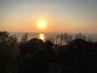 初島と日の出