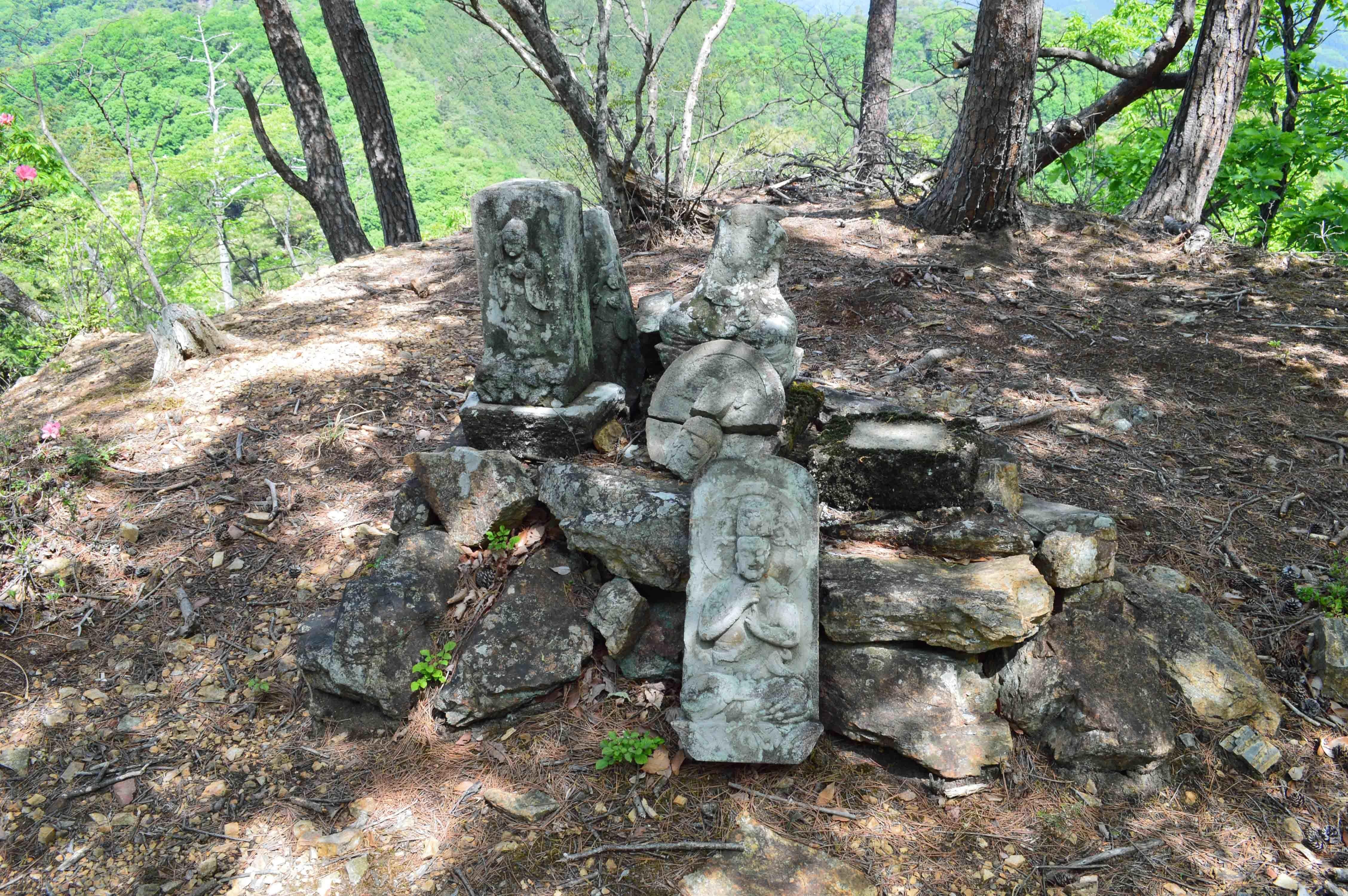 浅利城 石仏の郭