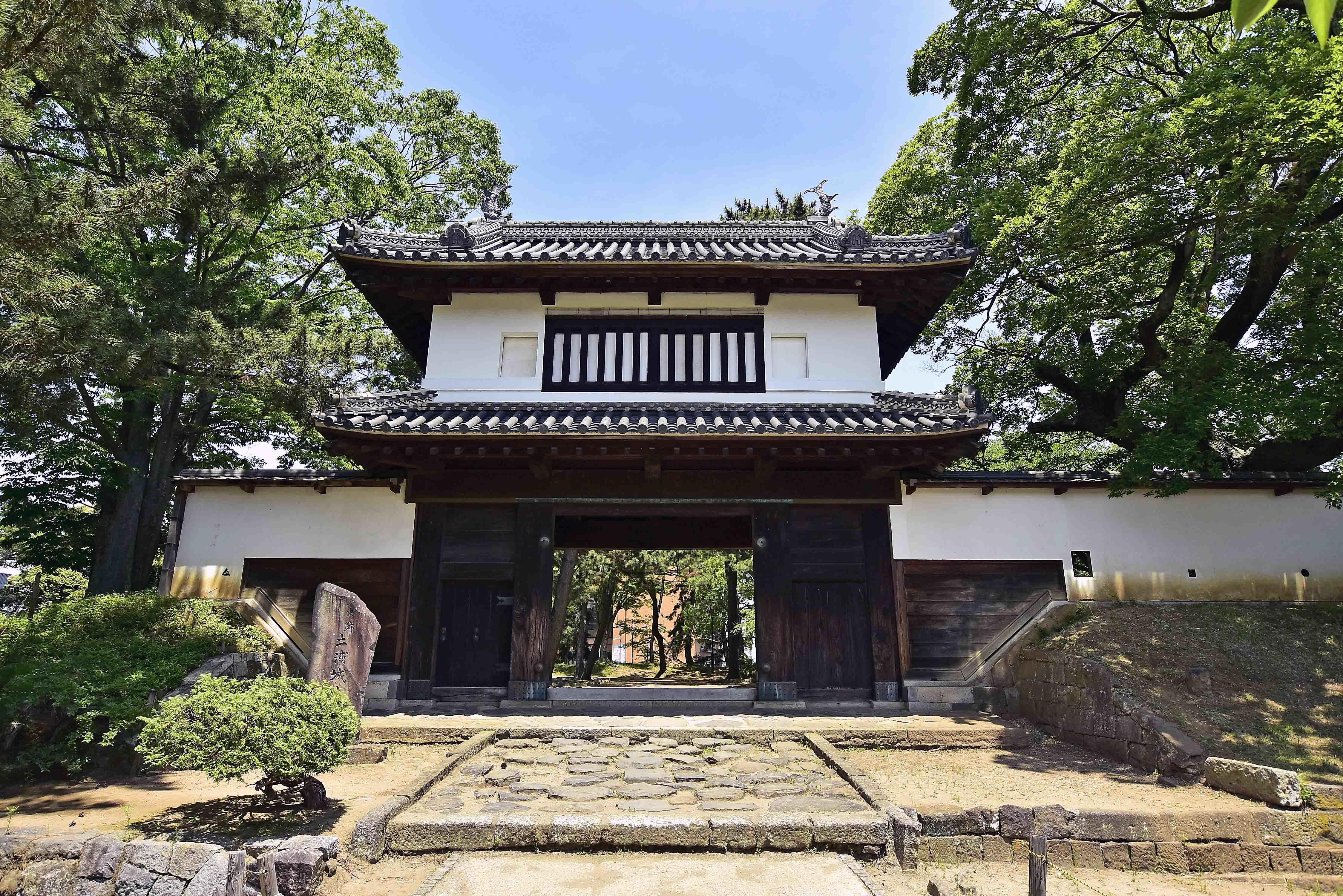 本丸櫓門(太鼓門)
